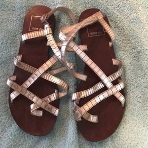 Dolce Vita Metallic Sandals 7